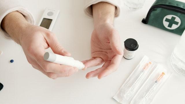 apakah penyakit diabetes menular